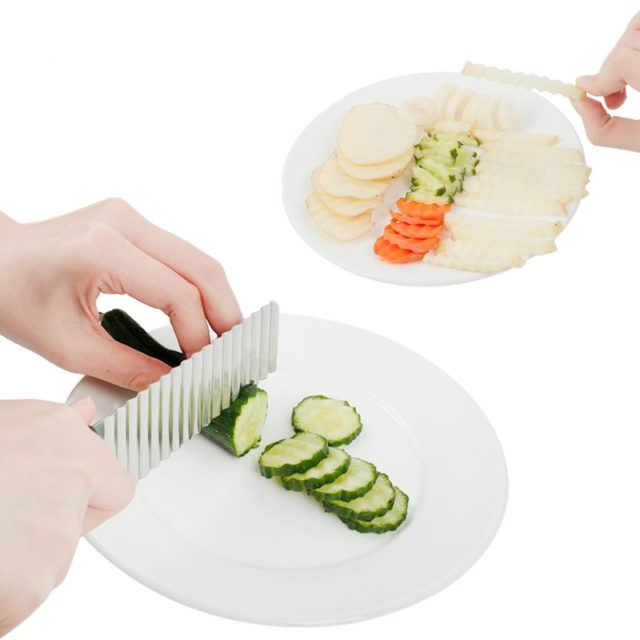 Stainless Steel Potato Chip Slicer Dough Vegetable Fruit Crinkle Wavy Slicer Knife Potato Cutter Chopper French Fry Maker